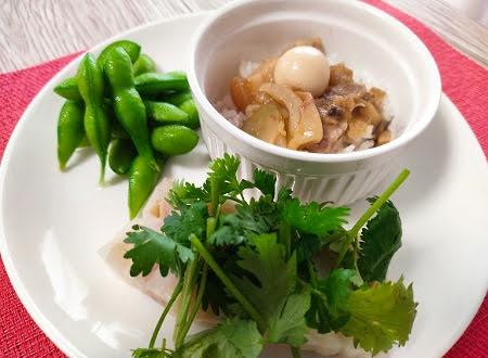 魯肉飯と豚足